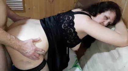 Drunk mother-in-law bends a slave to satisfy her deeper