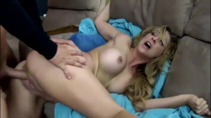 Nephew pounces on sexy aunt and fucked her