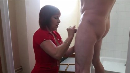 Aunt Natasha caught the nephew in the shower and decided to drive my dick